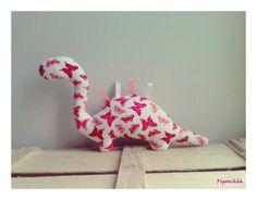 Décoration / Doudou Dinosaure Papillons Roses : Jeux, peluches, doudous par pipouchhh
