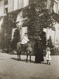 Queen Marie of Romania and Princess Elisabeth (on pony) Queen Mary, Queen Anne, Romanian Royal Family, Important People, Bucharest, Edinburgh, Descendants, Greece, Royalty