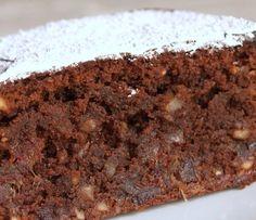 Pastel de chocolate, almendras y dátes   http://ogarfelo.blogspot.com.es/2014/02/pastel-de-chocolate-con-datiles-y.html?m=1