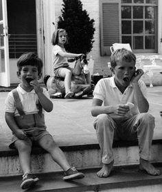 472-John Kennedy Jr., Caroline Kennedy and David Kennedy