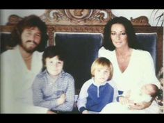You May Now Kiss The Bride Barry Gibb And Linda Married