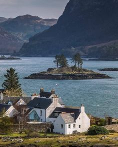 """It's nae wonder Plockton is referred to as the """"jewel of the Highlands"""" A picturesque village situated on a loch & surrounded by a ring… Vacation Places, Places To Travel, Travel Destinations, Oh The Places You'll Go, Places To Visit, England And Scotland, Scotland Travel, British Isles, Beautiful Landscapes"""