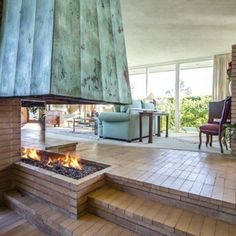 Mandy Moore Ditches Her Mediterranean-Style Home For This Mid-Century House - ELLEDecor.com
