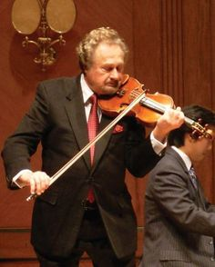 The Strad | How to pick strings