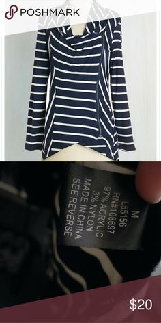 Modcloth airport greeting cardigan Medium, worn twice, soft and super comfy Navy/white striped cardigan. Zipper is asymmetrical and has a small magnet at the top to create a drape, can be worn as a cardigan or as a top. Very lightweight and stretchy, insanely comfortable Modcloth Sweaters Cardigans