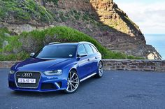 Audi RS4 Cars Background - http://whatstrendingonline.com/audi-rs4-cars-background/