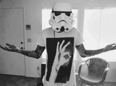 Supporting the T-shirt scene since Indie brands, young designers, original creations and urban cultures. Tony Perry, Star Wars Tattoo, Gloomy Day, Young Designers, Emo Bands, Pierce The Veil, Geek Out, Indie Brands, Good Music