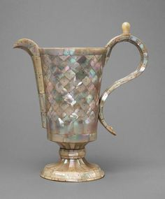 Pot, mother of pearl, 1600