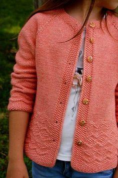 diy knitting projects chunky knitting fall knitting fall knitting knit blankets spring knitting knitting diy knit projects knitted things what to knit knitting stuff knitting tips Baby Boy Knitting Patterns, Knitting For Kids, Knit Patterns, Simple Knitting, Free Knitting, Knitting Projects, Knit Cardigan Pattern, Crochet Woman, Knit Crochet