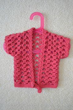 Crochet Stitches Free, Crochet Shrug Pattern, Crochet Fabric, Crochet Baby Sweaters, Crochet Baby Clothes, Baby Knitting, Ribbed Crochet, Crochet Sheep, Kid Outfits