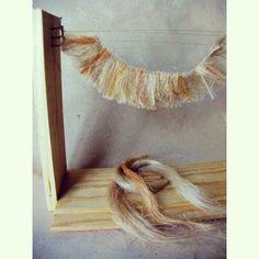 Сплела небольшой тресс из волокон льна, это  для причёски новому Ангелу. Скоро ему предстоит выход в солнечный свет, готовимся...:) #woodendolls #artdoll #handmade #арткукла #мастерская #подвижнаякукла  #workingmoments #кукольныйпаричок