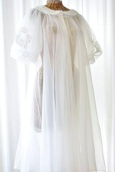 White Chiffon Peignoir Bridal Set by Voilavintagelingerie on Etsy