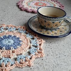 """""""I love my new cup and saucer from @bunzlaucastle it was a gift from my lovely daughter. #bunzlau #bunzlaucastle #crochetdoily #dropsparis #haken #virka…"""""""