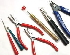 Jewelry Making Tools: pliers, cutters, mandrels, crimpers, files and many others for specific tasks. Wire Jewelry, Jewelry Crafts, Jewelry Making Tools, Jewellery Making, Diy Jewelry Inspiration, Selling Jewelry, Jewelry Supplies, Metal Working, Crafting