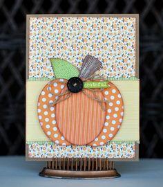 http://grammiescraftroom.blogspot.com/2011/10/halloween-paper-clips.html