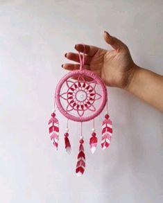 Diy Crafts To Do, Diy Crafts Hacks, Yarn Crafts, Arts And Crafts, Doily Patterns, Macrame Patterns, Crochet Patterns, Crochet Dreamcatcher, Macrame Art