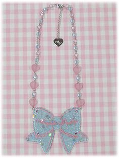 ap_necklace_throbbingribbon_color2.jpg