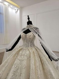 Royal Wedding Gowns, Luxury Wedding Dress, Wedding Dress Sizes, Princess Wedding Dresses, Dream Wedding Dresses, Disney Wedding Dresses, Royal Weddings, Wedding Dress Cape, Wedding Dresses With Bling