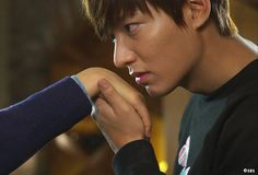 #Japan #TV | TBS |  [http://www.tbs.co.jp/tbs-ch/item/d2719/]  | Broadcast | 2013 | #Korean | #Drama | #TheHeirs | #ActorLeeMinHo | #LeeMinHo | #李敏鎬 | TBSチャンネル (Source:TBS (@tbschannel) | Twitter  | 02 May 2016 | THIS Post: 18 May 2016 (Wednesday)