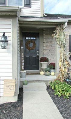 60+ Rustic Farmhouse Porch Decorating Ideas