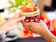 How to Make a Kwanzaa Unity Cup : Decorating : Home & Garden Television