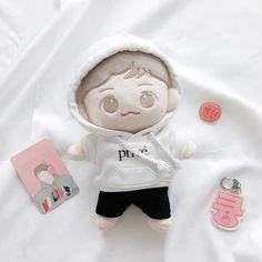 Kawaii Plush, Kawaii Doll, Pop Dolls, Baby Dolls, Exo Cartoon, Kpop Merch, Cute Toys, Black Wallpaper, Over The Rainbow