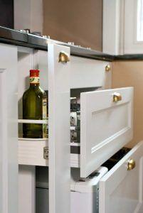 Fehér Vintage konyhab - König konyhabútor - Cliff konyhák Sopron Bathroom Medicine Cabinet, Kitchen, Cooking, Kitchens, Cuisine, Cucina