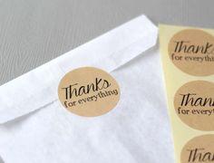 tiquettes autocollantes rondes thanks for everything x 12 kraft sticker - Tiquettes Autocollantes Mariage