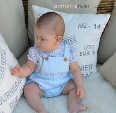 Onesies, Crochet, Face, Kids, Baby Dress Patterns, Dresses For Babies, Sewing Baby Clothes, Little Girl Clothing, Baby Clothes For Boys
