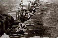 Fusiliers marins anglais dans leur tranchée à Anvers © D.R.