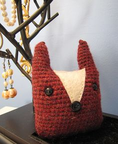 Ravelry: The Fox Face pattern by Minazara