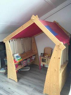 Speelhuisje en winkeltje hout met kastje en dak (demontabel)