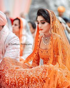 10 Orange Lehengas that prove & is the New Red& when it comes to Bridal Lehengas! is part of Indian bridal lehenga Orange is one colour which looks good on all Indian skin tones If you too ar - Wedding Lehnga, Indian Bridal Lehenga, Indian Bridal Outfits, Indian Bridal Wear, Wedding Bride, Bridal Dresses, Bridesmaid Dresses, Wedding Flowers, Indian Wear