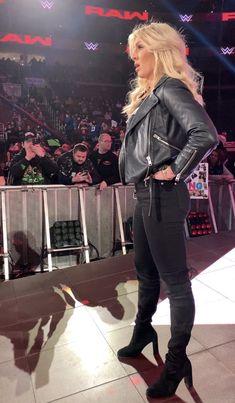 Wrestling Divas, Women's Wrestling, Charlotte Flair Wwe, Wrestlemania 29, Very Pretty Girl, Wwe Female Wrestlers, Wwe Girls, Raw Women's Champion, Wwe Womens