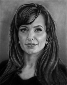 25 Beautiful Portrait Drawings from top artists around the world Pencil Portrait Drawing, Realistic Pencil Drawings, Portrait Sketches, Amazing Drawings, Portrait Art, Art Sketches, Black And White Sketches, Black And White Portraits, Celebrity Drawings