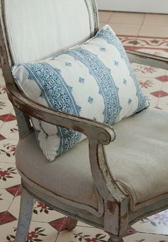 Chair detail and a Peter Dunham cushion. Known Peter since I was about 6 years old. That's quite some time ago. Peter Dunham, British West Indies, Build Something, Family Rooms, Sofa Chair, Hibiscus, Cabins, Cottages, Sofas