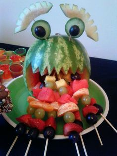 My daughter's fruit disappeared rapidly what a hit! Watermelon Art, Watermelon Carving, All Fruits, Best Fruits, Vegetable Decoration, Fruit Sculptures, Fall Snacks, Fruit Art, Fun Fruit