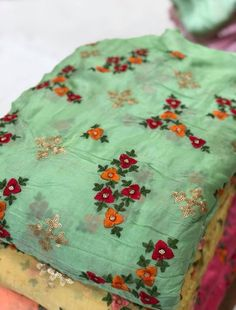 Discover thousands of images about Latest trendy fancy boutique fabric Embroidery On Kurtis, Kurti Embroidery Design, Embroidery Dress, Cute Fall Outfits, Pretty Outfits, Kurta Designs, Blouse Designs, Designer Salwar Suits, Brocade Fabric