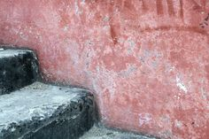 Black stairs with rosy wall. Black Stairs, Photo Series, Wall Colors, Color Splash, Colors, Wall Paint Colors, Paint Splash, Wall Colours