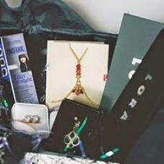 2 Beauty + Fashion Prize Pack ^_^ http://www.pintalabios.info/en/fashion_giveaways/view/en/2353 #International #MakeUp #bbloggers #Giweaway