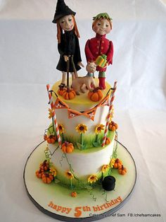 Liewe Heksie / Dear little Witch Cake by chefsam The characters on this cake come from a South African TV show that was well loved in the A puppet witch and her elven friend, Blommie, with her special little cat, Mattewis. Theme Halloween, Halloween Cakes, Witch Cake, Disney Birthday, Birthday Cakes, Birthday Ideas, Fall Cakes, Novelty Cakes, Cute Cakes