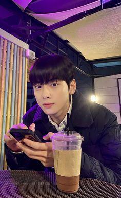 Suho, Cute Asian Guys, Cute Korean Boys, Cha Eun Woo, Korean Drama Best, Cha Eunwoo Astro, Lee Dong Min, Cute Baby Bunnies, Korean Boys Ulzzang