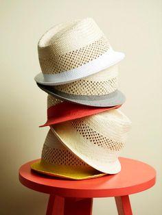 Korallfarget maling med navnet, Sorbet, fra Jotun. Sorbet, Color Combinations, Spring Summer, Lady, Fashion Design, Inspiration, Color Palettes, Style, Colour
