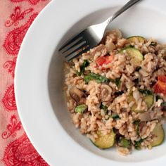 Vegan Pressure Cooker Risotto with Kale, Mushrooms, Tomato and Garlic.  #vegan #glutenfree  http://cheeky-vegan.com/2014/09/19/my-new-pressure-cooker-failing-at-beans-and-a-damn-good-risotto/