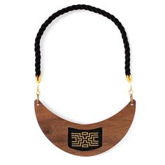 Satunsat II Wooden Necklace | Delacruz