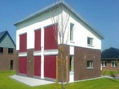 Senkrechtmarkise F411 mit Seilführung, als Blend- und Wärmeschutz an geraden Fenster- und Terrassenfronten.