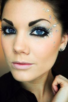 Glitter here, sparkle there, glitter, sparkle EVERYWHERE!! Visit my site Real Techniques brushes makeup -$10 http://youtu.be/0Hm_BVy1UOQ #realtechniques #realtechniquesbrushes #makeup #makeupbrushes #makeupartist #makeupeye #eyemakeup #makeupeyes