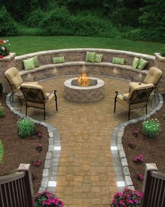 My dream is to have an outdoor fire pit with built in seating in my backyard. This one looks amazing! My dream is to have an outdoor fire pit with built in seating in my backyard. This one looks amazing!