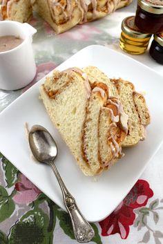 apple cinnamon coffee cake twist