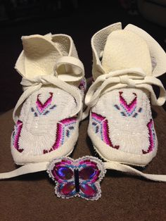 Toddler moccasins with small butterfly to attach to a headband